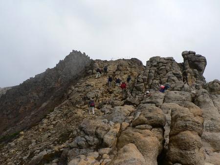 那須(岩山を登る人たち).jpg